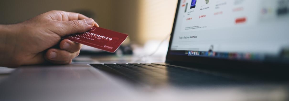85% des internautes achètent en ligne